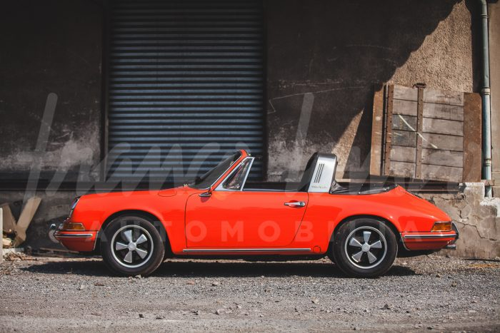 Porsche 911 T Targa rare Soft Window from 1969, last year of production