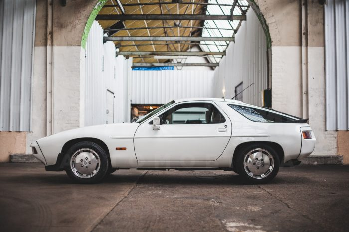 Porsche 928 S – V8 4.7 300 Ch – Iconic design from the 80's!