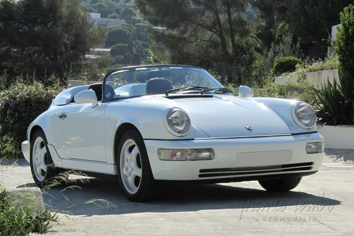 Immaculate Porsche 964 Speedster with only 50 000km from 1994.  Matching numbers.