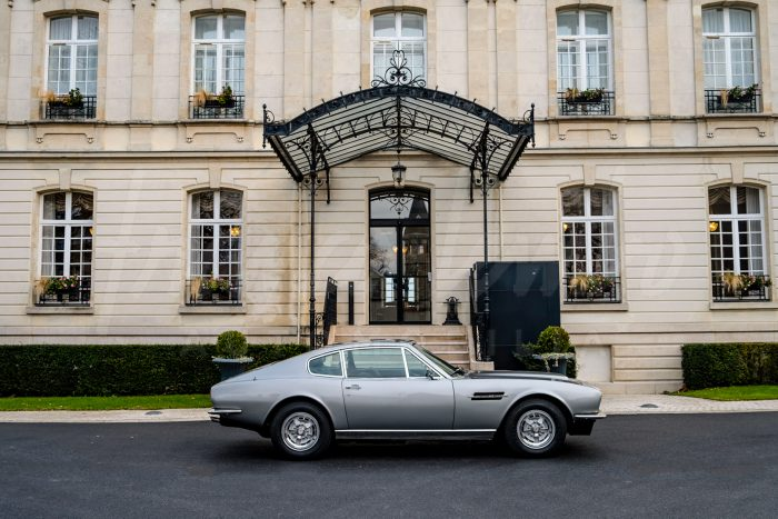 Splendide Aston Martin DBS V8 1972 automatic. Matching numbers .