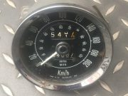 Triumph 2500 – Tachometer to be revised, in Km / h, 80 € plus freight.