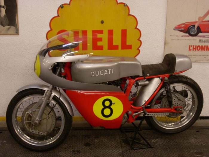 splendid and original Ducati 450 Competizione1970