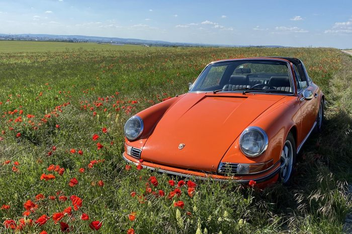 Porsche 911 Targa 2.2S from 1970 Tangerine Orange