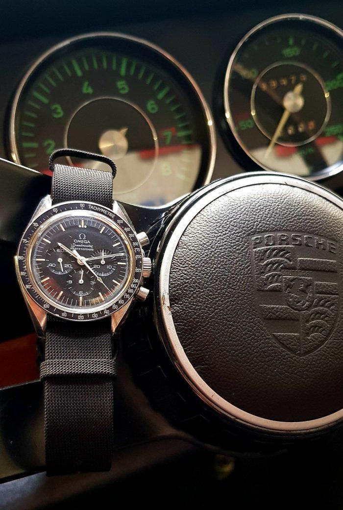 Omega Speedmaster Moon Watch, Tachymetrique / Kms, circa 1977.