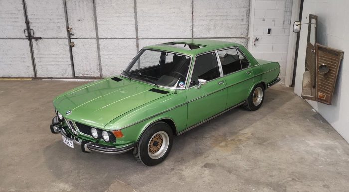 BMW 3.0 SI Taiga Metallic 072 only original 67,000 kilometers