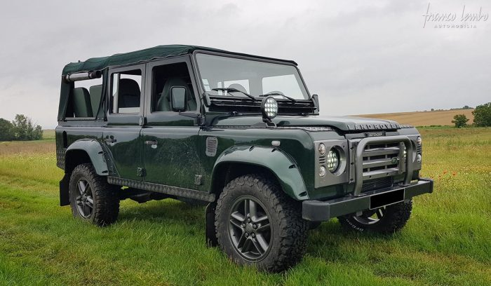 Land Rover Defender 110 TD 5 Cabriolet AWT 9 seats .83,500 KMS.