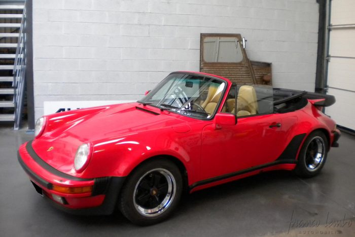 Porsche 930 turbo Cabriolet 1988 only 1374 units produced, rare in Europe with 35,000 kilometers since the origin.